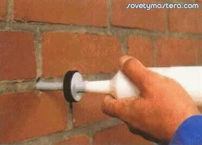 Как и чем сделать в бетонной стене отверстия под дюбеля